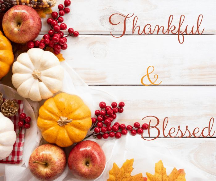 happy thanksgiving graphic-2